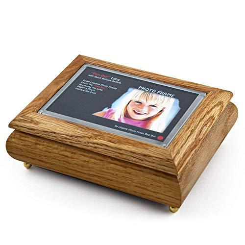 Caja de joyería Musical con Marco de Fotos de Roble de 10 x 15 cm con Sistema de Lente Pop-out – más de 400 Opciones de Canciones, Madera, 133. Getting to Know You
