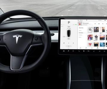 Cómo actualizar tu Tesla: no te pierdas las novedades