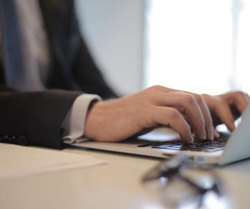Cómo comprar un portátil de empresa en 2021: 5 aspectos a tener en cuenta al comprar un portátil B2B
