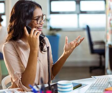 Cómo elegir el teléfono VoIP adecuado para su pequeña empresa